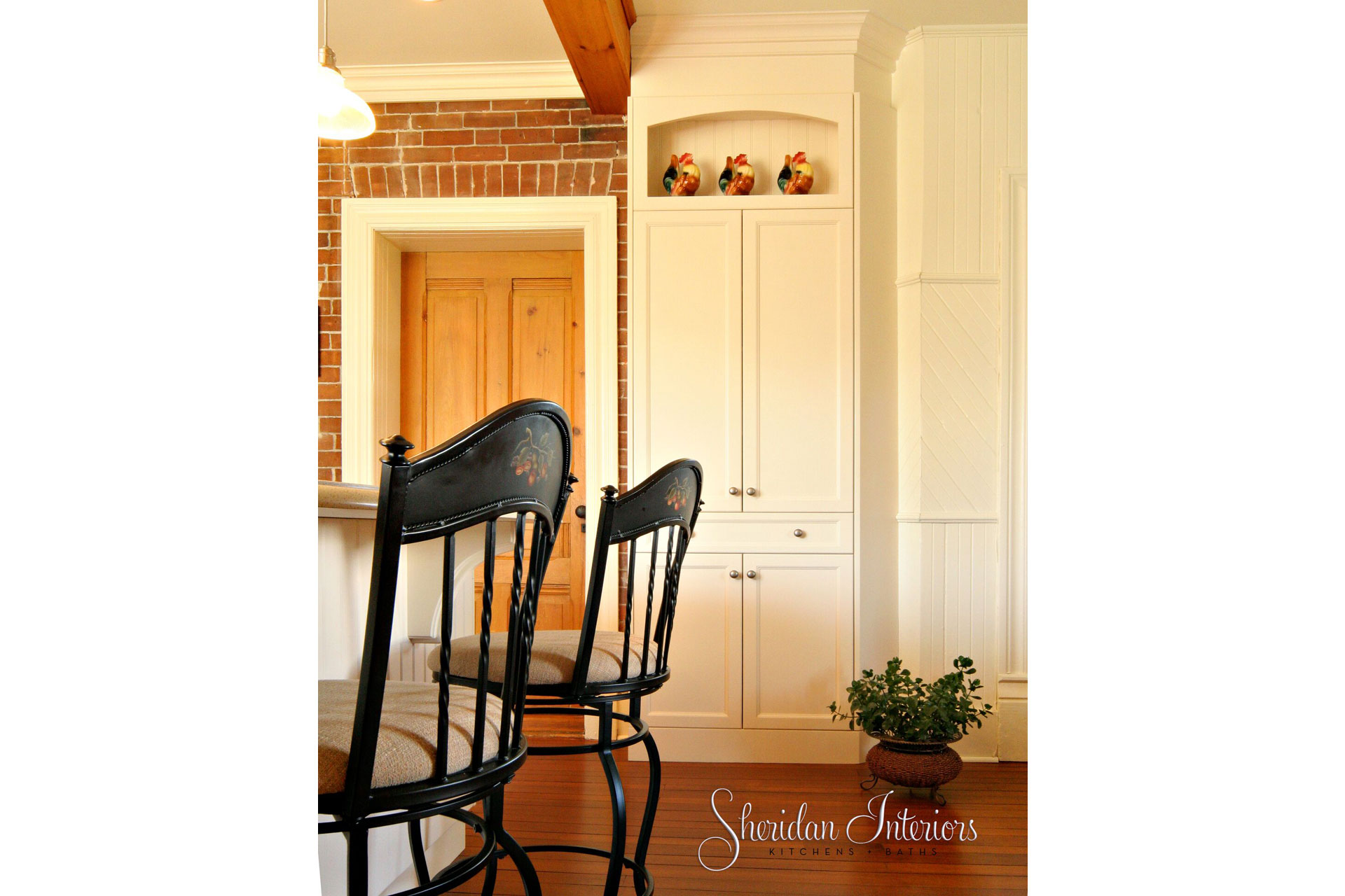 Country Kitchen with Tall Pantry - Sheridan Interiors