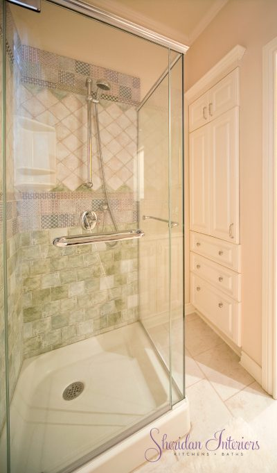 custom shower, small bathroom, traditional bathroom, country bathroom, small shower, Small Bathroom Design Services Ottawa - Sheridan Interiors, sheridan interiors kitchens and baths, bathroom designer cornwall, bathroom designer ottawa, Small Bathroom Design - Sheridan Interiors Bathroom Design - Sheridan Interiors