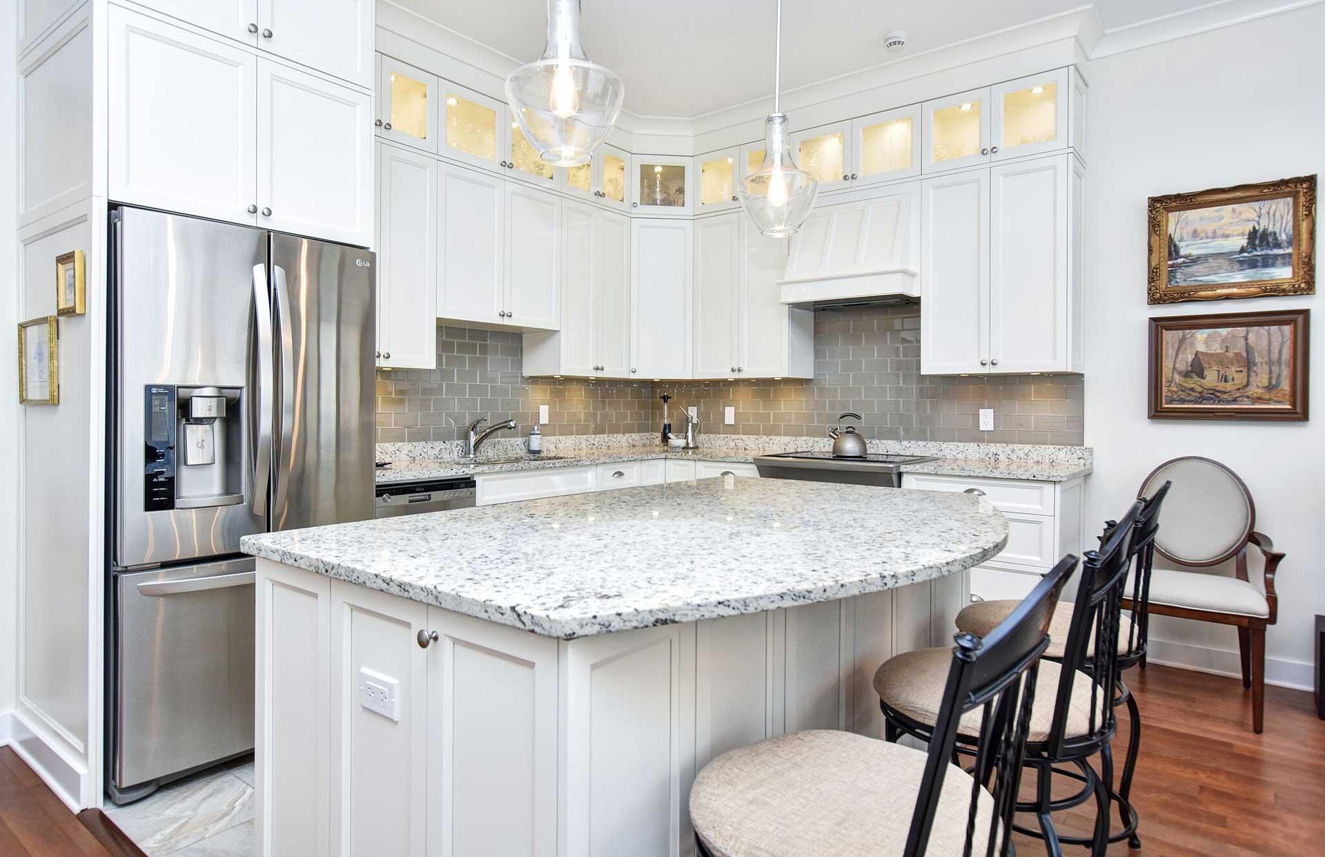 condo living, condo kitchen, transitional kitchen