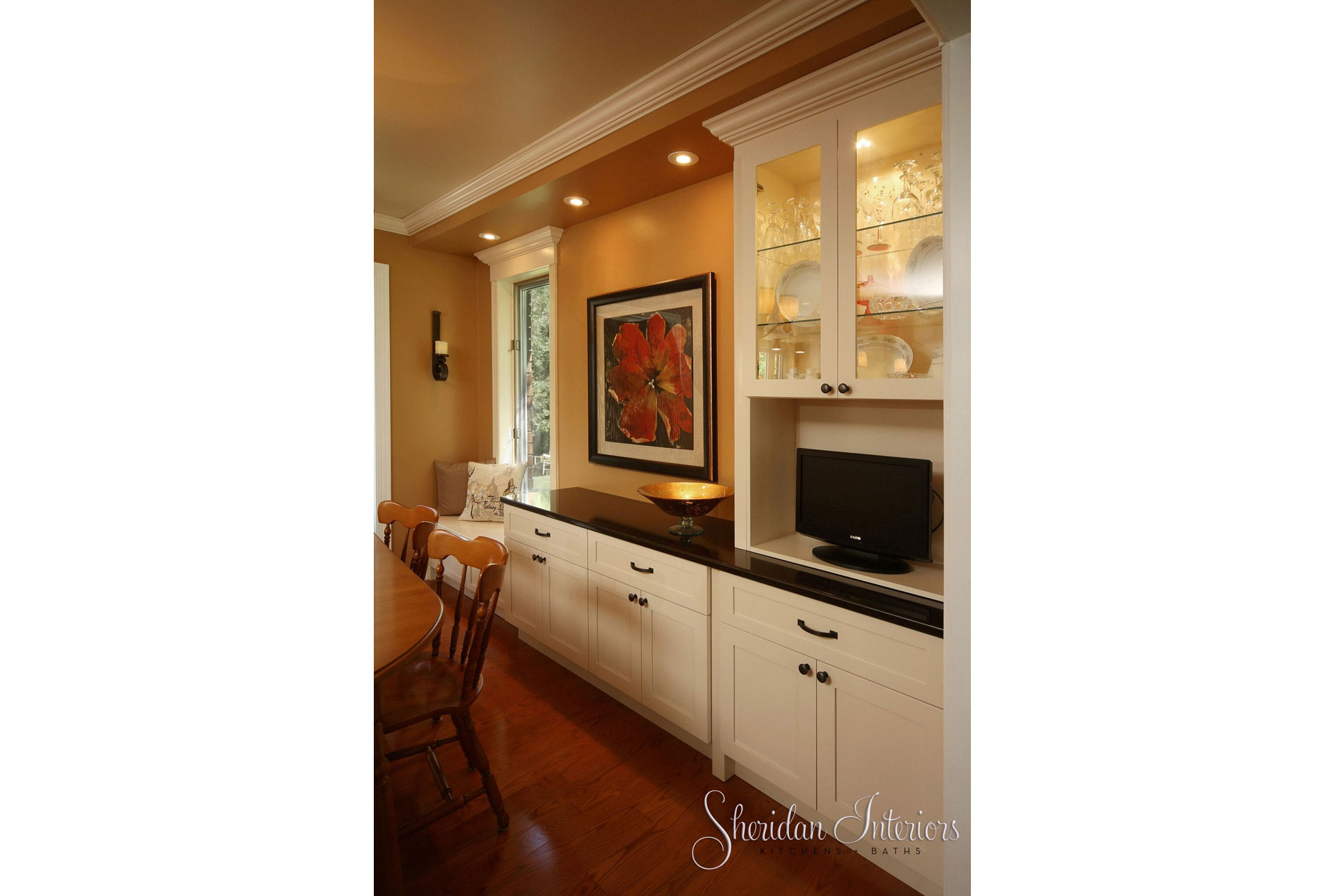 Dining Room and hutch with quartz countertop - Sheridan Interiors